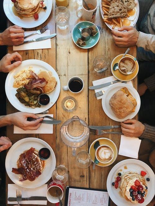 שוברים לארוחות בוקר